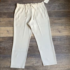 NWT On the Fly 7/8 Pants Woven (10, Cream)